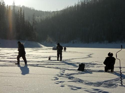 Рыбаки уходят на глубокие места