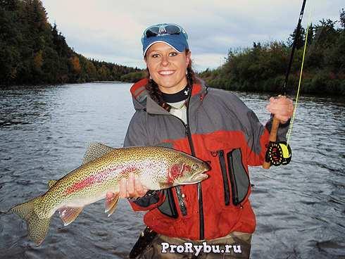 Женская рыбалка нахлыстом