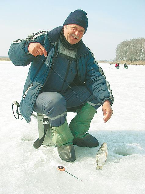 Ловля карасей по последнему льду считается важным фактором успеха