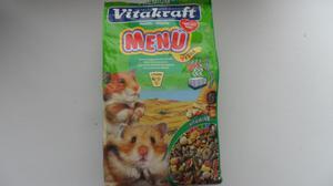 Продукты и корма для кормления хомяков в домашних условиях
